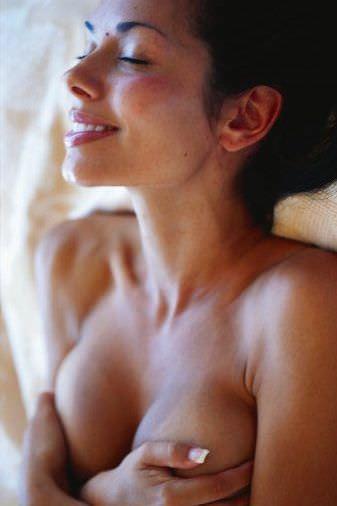 男人最喜歡和女人『愛愛』前做哪些事?